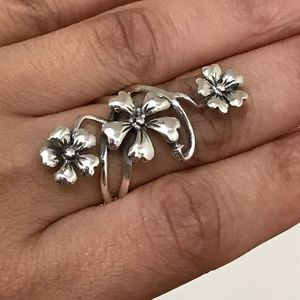 Jewelry - Sterling Silver Long Flower Ring